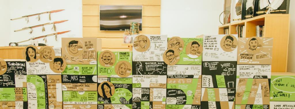 Após receber as ilustrações, as caixas formam a VizWall completa